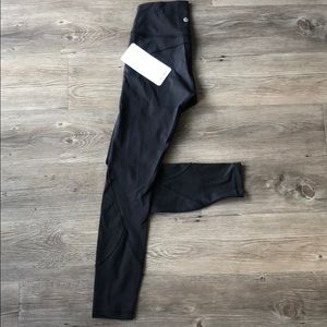 lululemon in movement tight black size 4